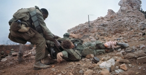 wounded-marine-dragged-to-safety-P