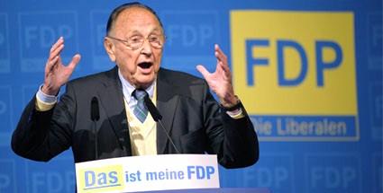 der-ehemalige-aussenminister-hans-dietrich-genscher-kritisiert-philipp-roesler
