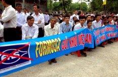 30,000 giáo dân tại Vinh biểu tình chống Công Ty Formosa ngày 15 8 16